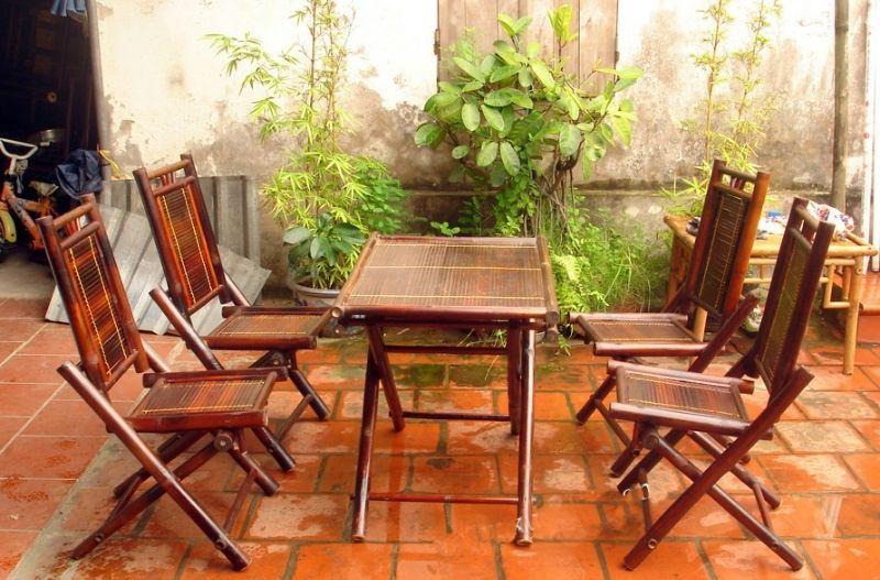Mẫu bộ bàn ghế bằng tre thích hợp để quán cafe